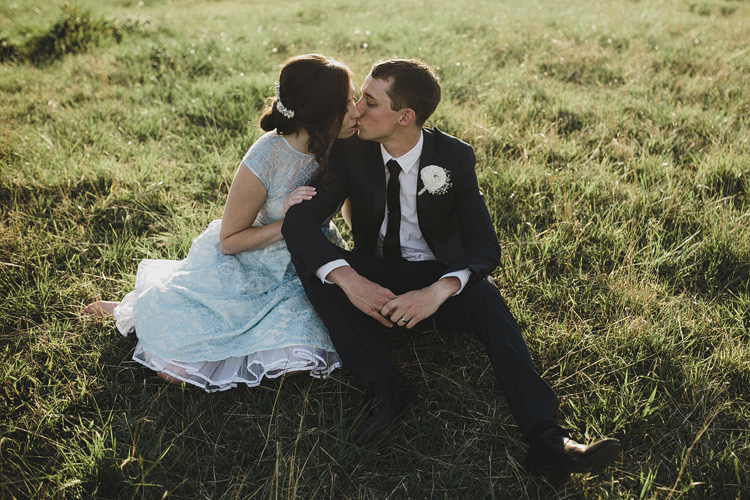 belgenny farm wedding kiss