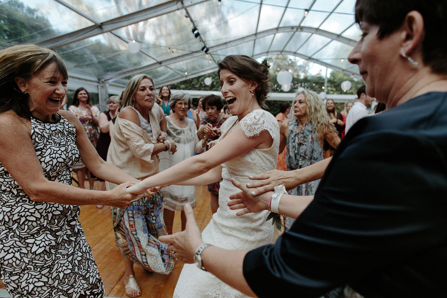 jewish wedding bride dancing hora