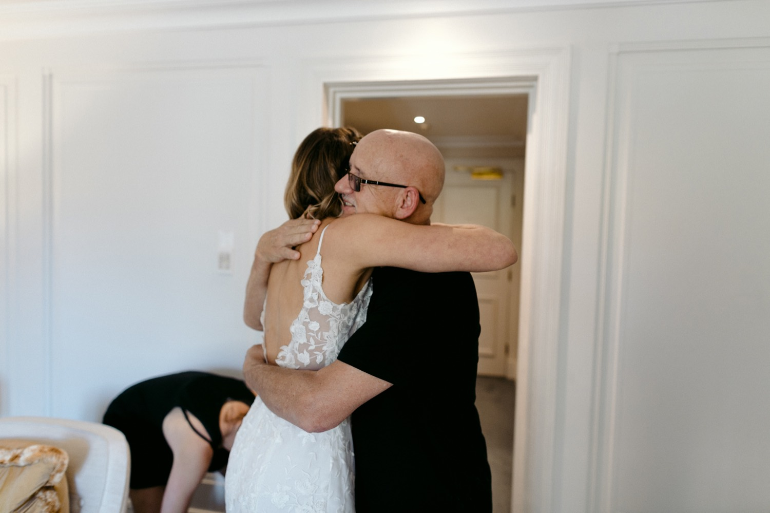 the langham wedding bride hugging her Dad